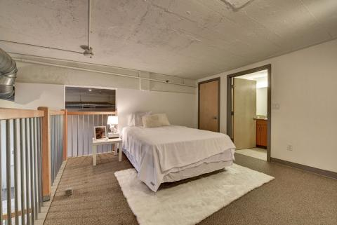 Condo-downtown-cleveland-oh-second-bedroom-American-Book.jpg